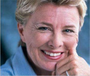 Naturtro protese giver dig dit naturlige smil og personlighed tilbage