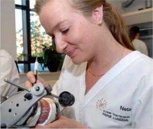 Vedligeholdelse af proteser